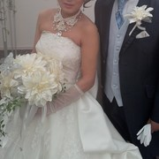 ダリアブーケの花嫁さんの画像